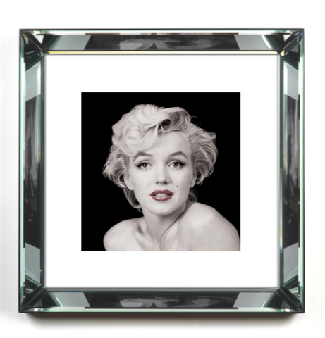 Marilyn Monroe- Red Lips in Black and White Print