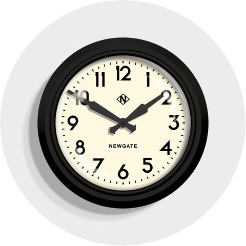 50's Electric Clock in Matte Black