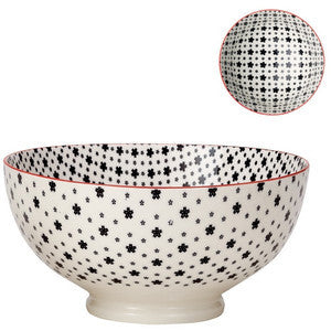 Medium Kiri Porcelain Bowl in Black w/ Red Trim