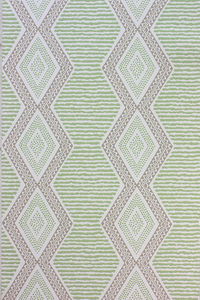 Sample Belle ��le Wallpaper in green from the Les R��ves Collection by Nina Campbell