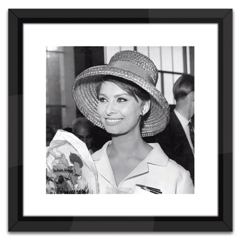 Sophia Loren in Black and White Print