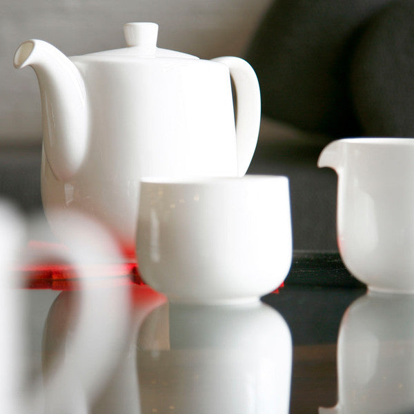 Oyyo White Tea Pot design by Teroforma