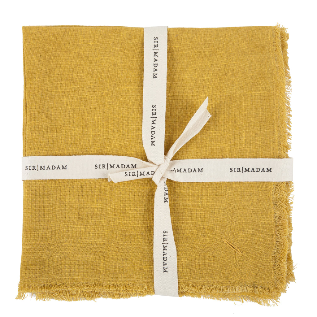 Solid Linen Napkins Set of 4 in Curry design by Sir/Madam