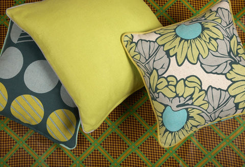 "Sunflower/Morris Pillow 18""x18"""