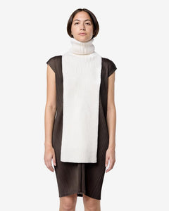 Turtleneck Scarf in Ivory