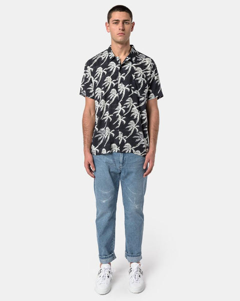 S/S Shirt in Blow Out Black