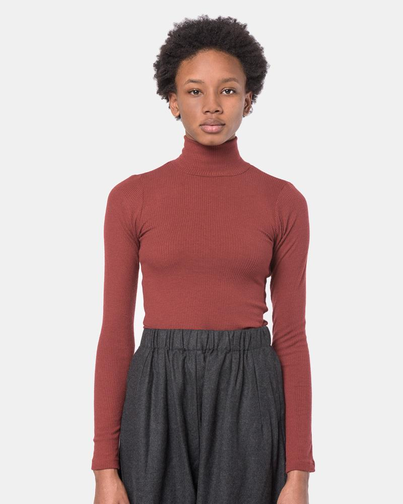 Powder Mock Neck Tee in Burgundy