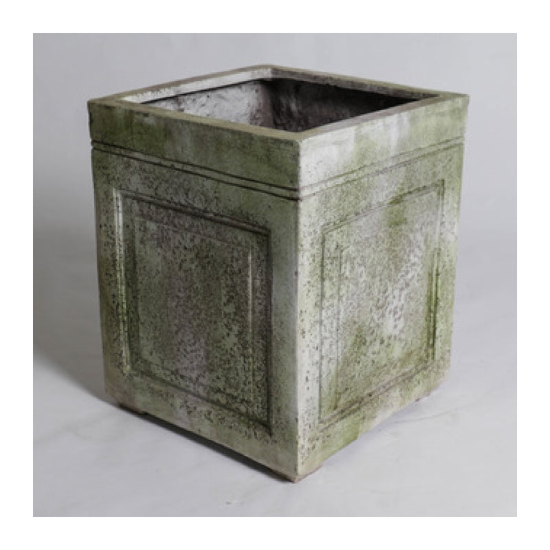 "18"" HASTINGS PLANTER - MOSSY WHITE"