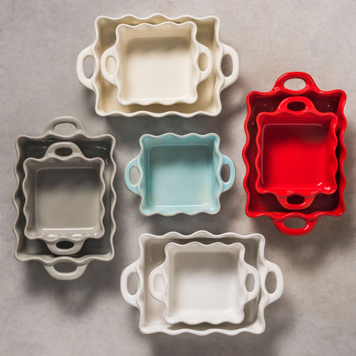 CASAFINA COOK & HOST SQUARE RUFFLED BAKER - RED