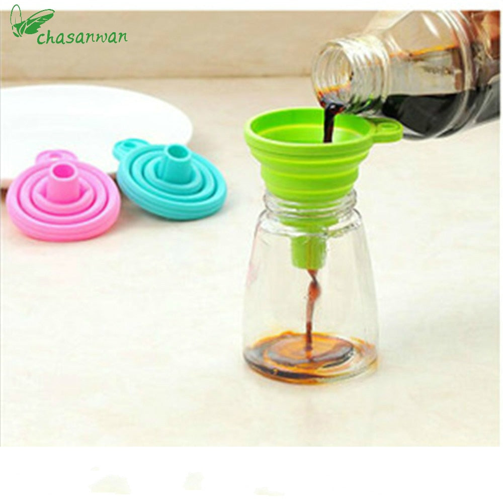 1 Pcs Kitchen Accessories Gadget Folding Funnel Telescopic Long Neck for Kitchen Oil Leakage/ Vegetable Juice/ Kitchen Gadgets.Q