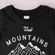 Baby Recycled Tee - Mountains Are Calling - Heather Black