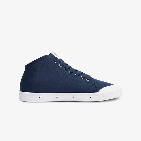 Inner side view mens navy low cut sneaker