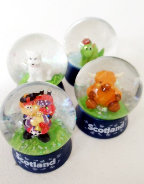 Scotland Character Snow Globe Set