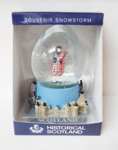 Historical Scotland Souvenir Snow Globe - Piper