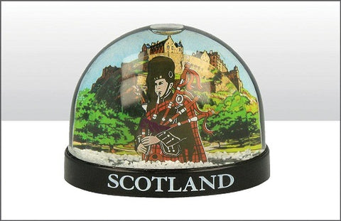 Scotland Piper Snow Globe (Plastic)
