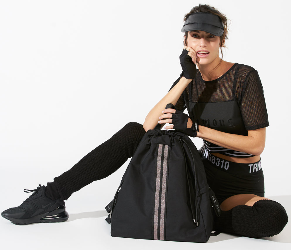ACE Sustainable Backpack in ECONYL®. Be sporty chic with the best backpack for gym! Black backpack for travel.