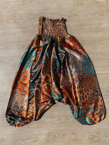 Harem Pants in Satin Paisley Print
