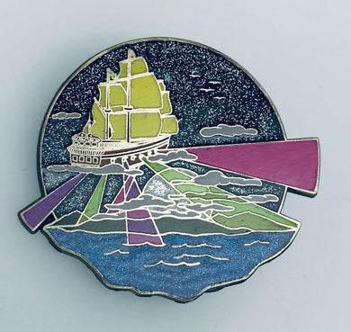 Sail on pin V2