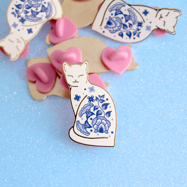 Willow Pattern cat enamel pin