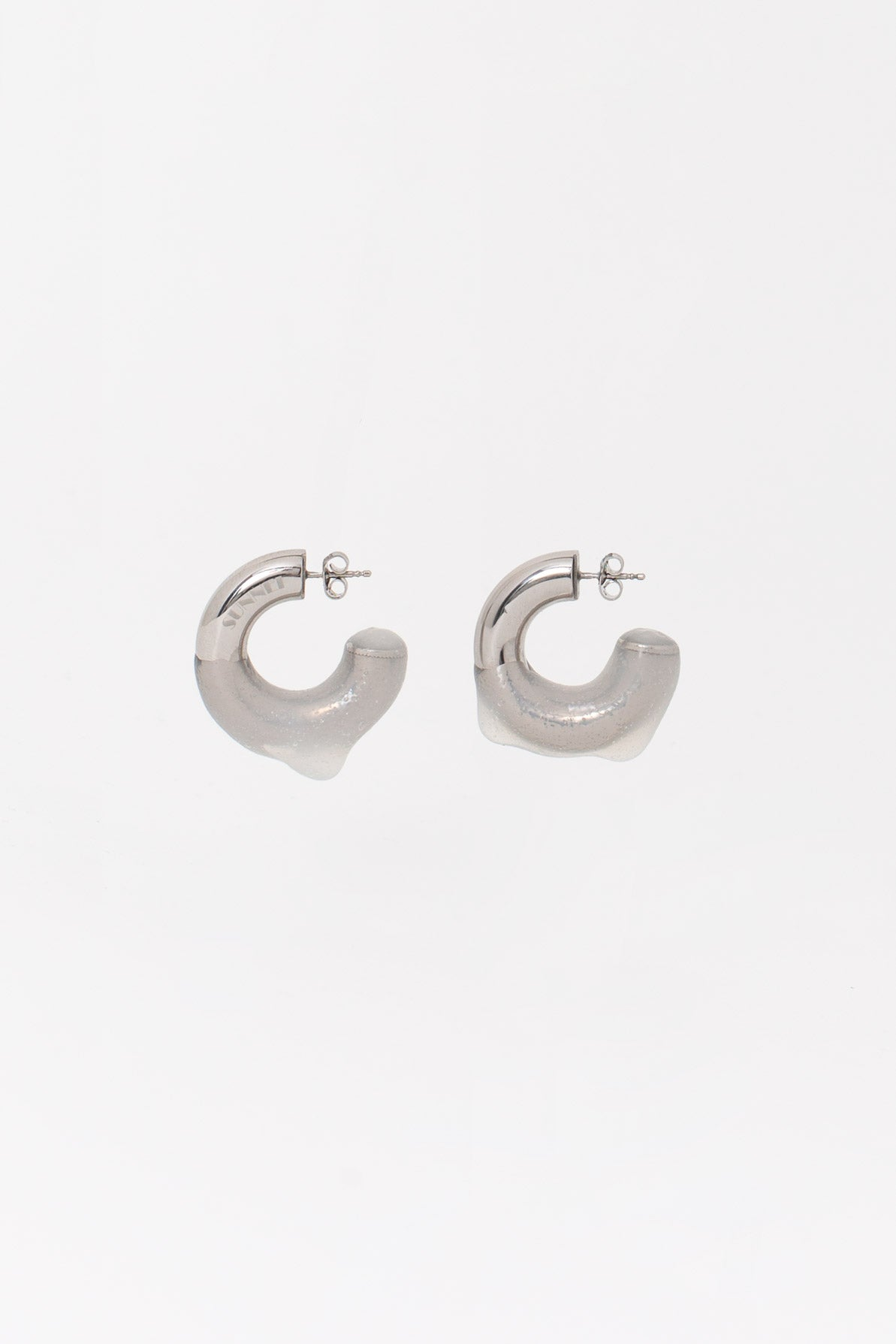 SEE-THROUGH RUBBERIZED SMALL SILVER EARRINGS