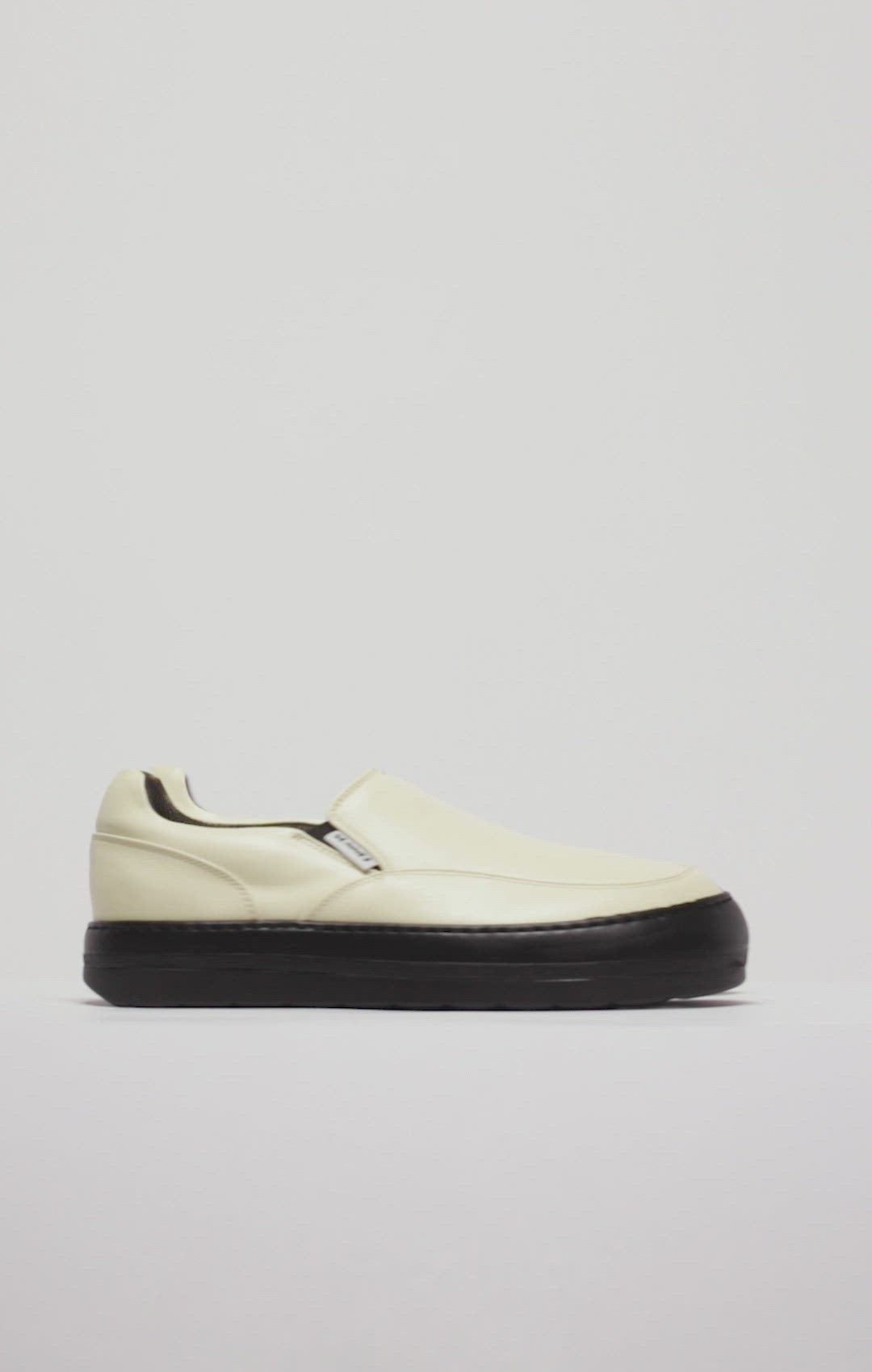 BANANA LEATHER DREAMY SLIP ON