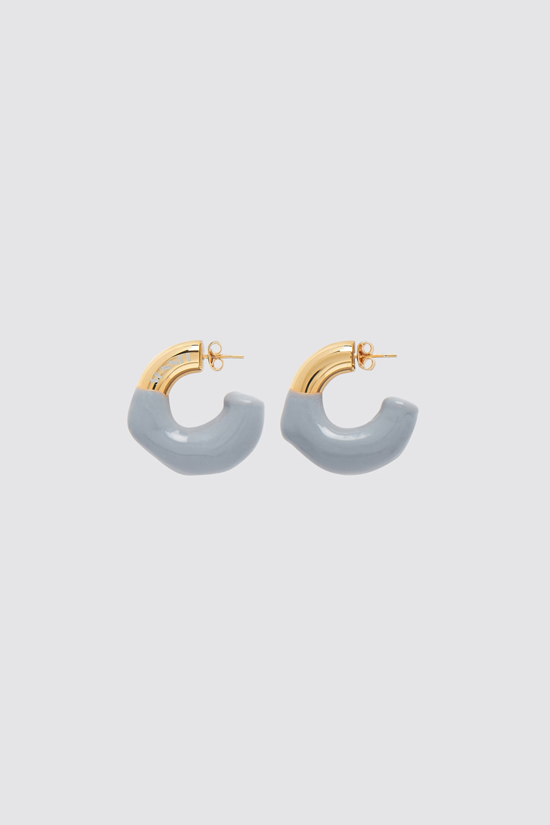 GREY RUBBERIZED SMALL GOLD EARRINGS