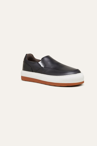 BLACK LEATHER DREAMY SLIP ON