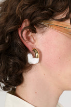 Load image into Gallery viewer, WHITE RUBBERIZED SMALL GOLD EARRINGS