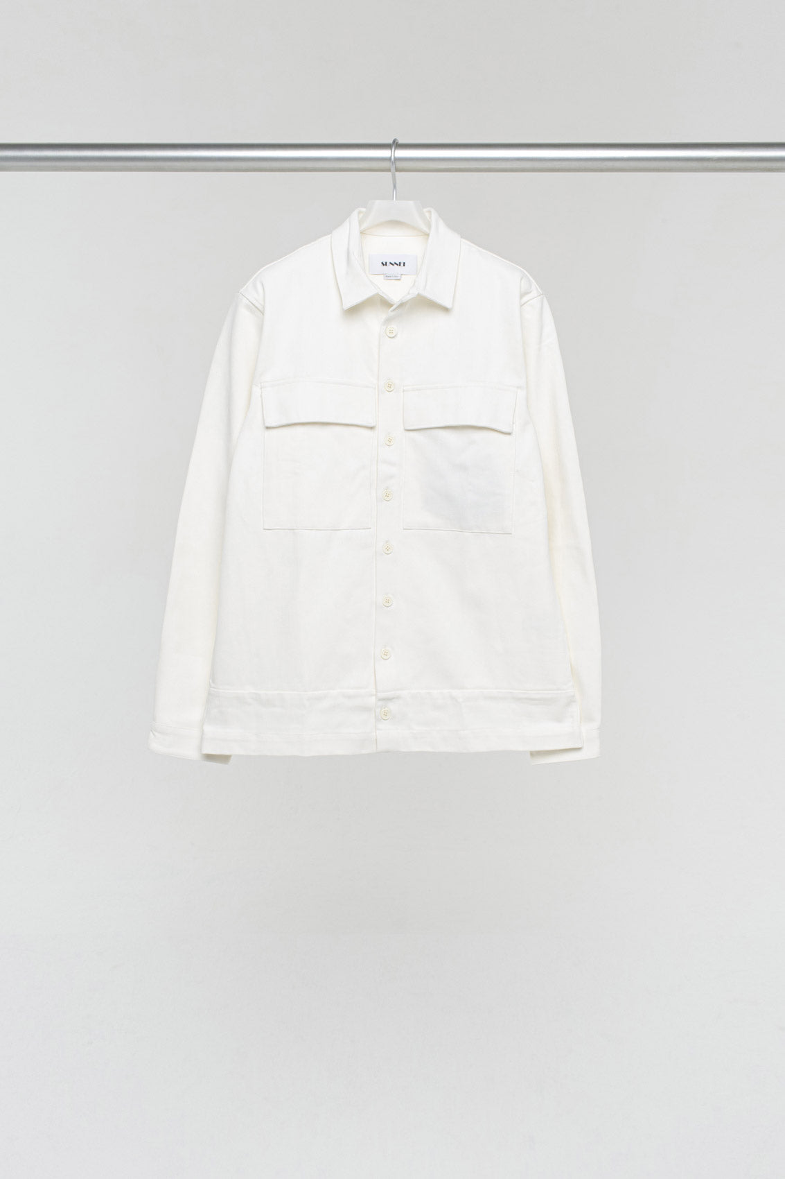 WHITE BOXY SHIRT