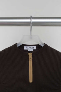 BROWN ZIPPED KNIT TOP