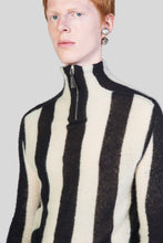 Load image into Gallery viewer, STRIPED ZIPPED KNIT TOP