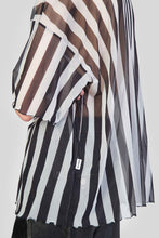 Load image into Gallery viewer, STRIPED OVER MESH T-SHIRT