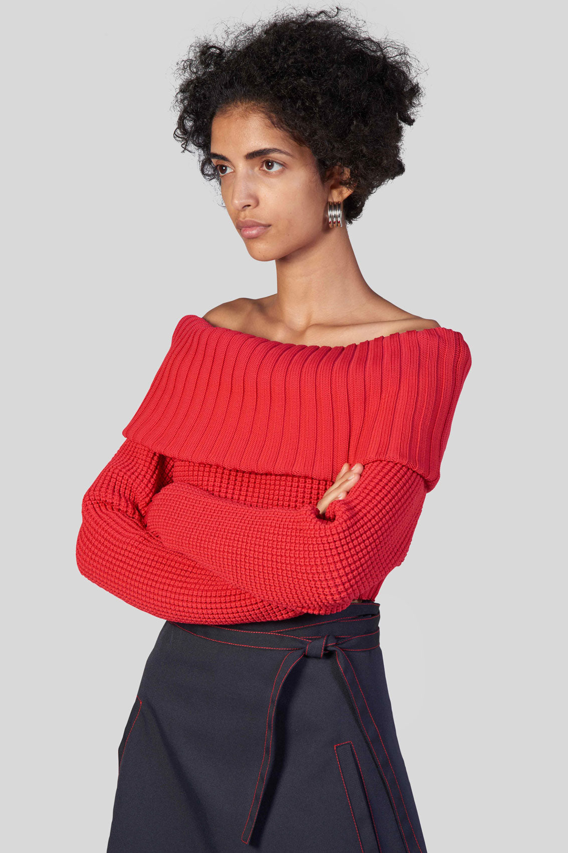 RED OFF-THE-SHOULDER KNIT CROP TOP