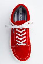Load image into Gallery viewer, RED SUEDE DREAMY