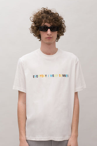 EVERYDAY I WEAR SUNNEI WHITE T-SHIRT