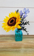 Load image into Gallery viewer, Yellow Sunflower in Glass Vase