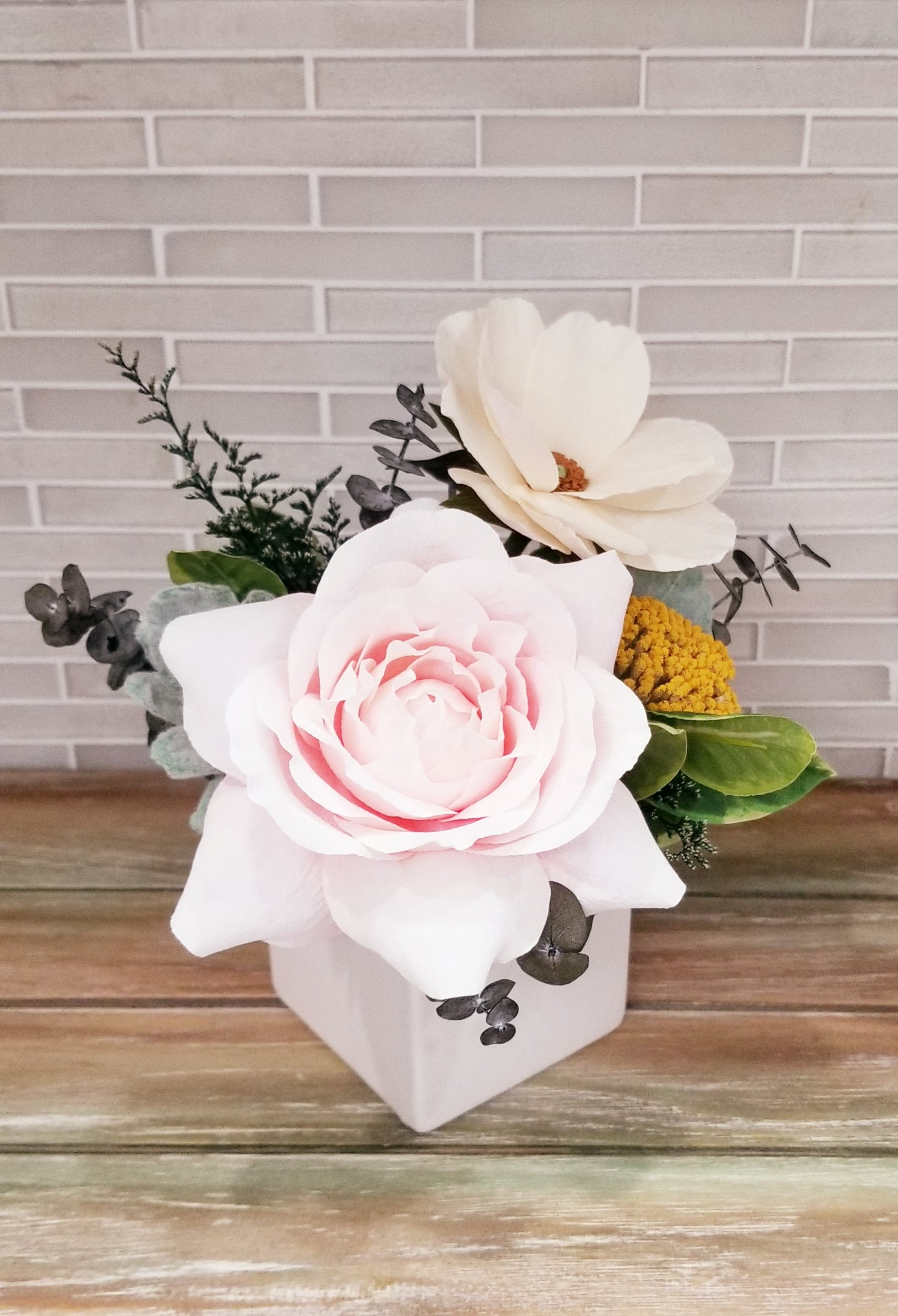 Rose & Ranunculus Mini Arrangement