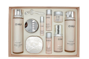 Miracle Moisture 4-piece Special Gift Set - Blooming Cosmetics