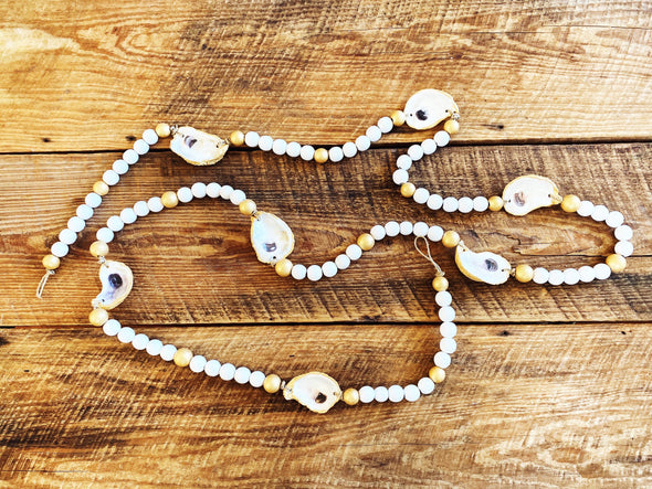 White & Gold Oyster Garland