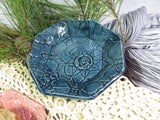 Crocheted Doily Dish (Marie style; medium octagonal)