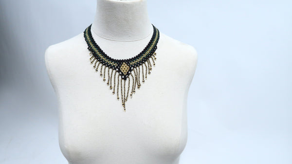 Handbeaded Elegant Necklace - 11 days