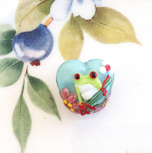 Little Frog Lampwork Heart Bead