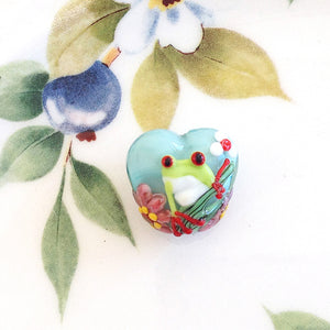 Little Frog Lampwork Heart Bead - Specialty Beads