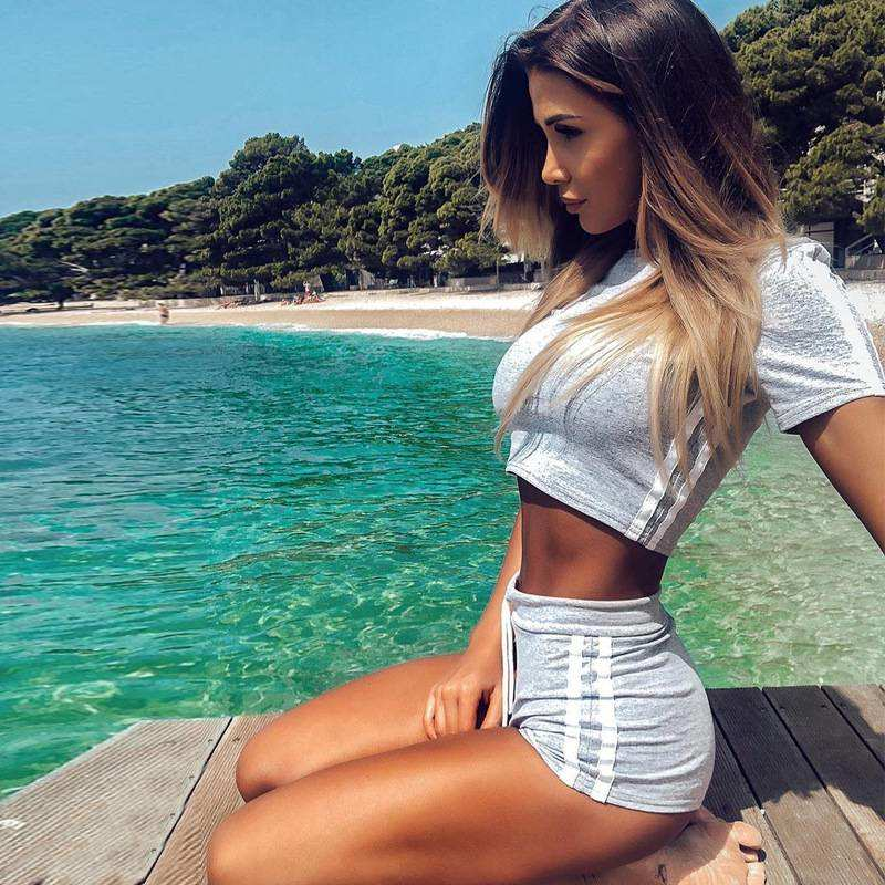 Women's Striped Workout Crop Top  and Shorts Set - CTHOPER