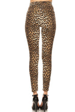 Load image into Gallery viewer, Cheetah Print Skinny Jeans