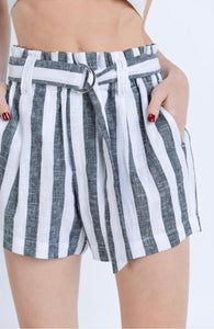 Black&White Striped Linen Shorts