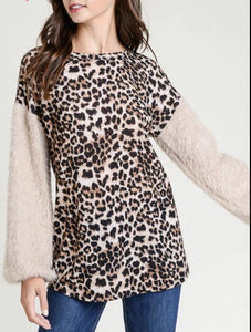 Saylor Leopard Faux Fur Top
