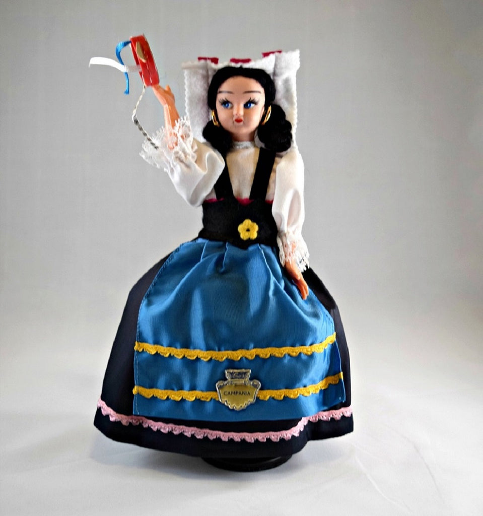 Regional Costume Dolls from Italy