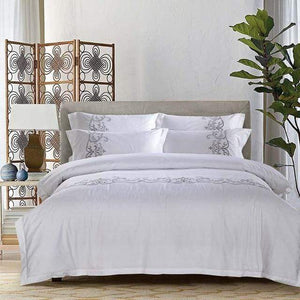 Her Shop Bedding 4 / King size 4 pcs Luxury 100% cotton Embroidery home bedding set white satin duvet cover sets oriental vintage style bed linen bedclothes