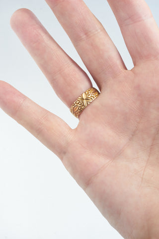 Antique 18k Engraved Gold Band